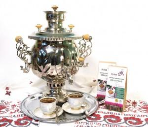 Фотография русского чая из самовара